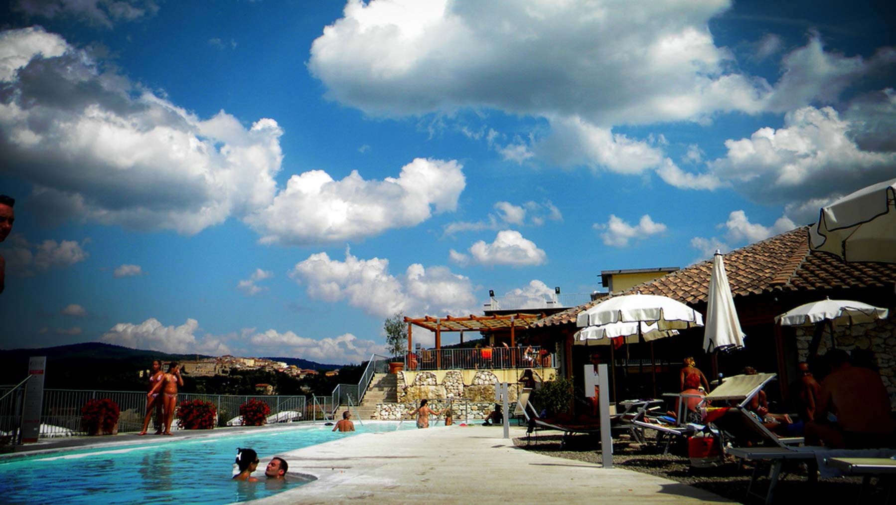 ANYONE IN SEARCH OF REST & RELAXATION AND A DIP AT A THERMAL SPA - Farm Holiday Il Molinello