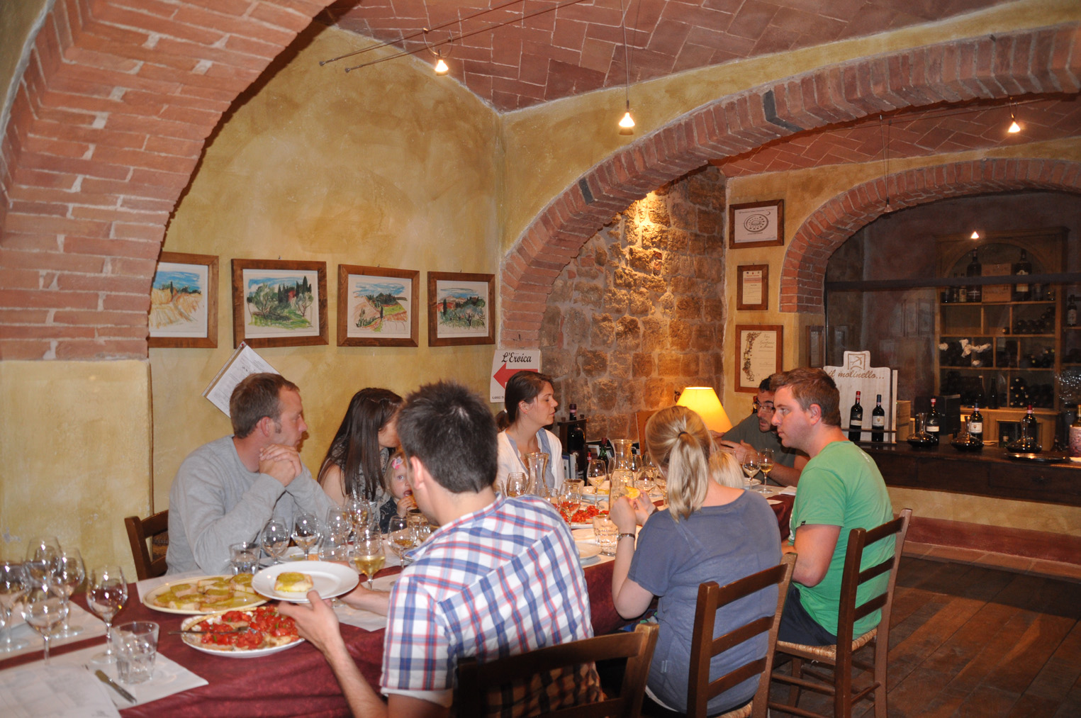 Wine tasting course near Siena